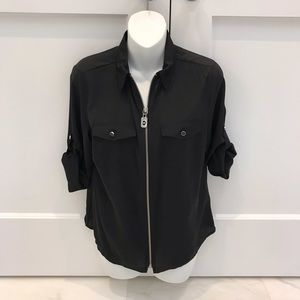Med. MK petite Michael Kors Black zip front top